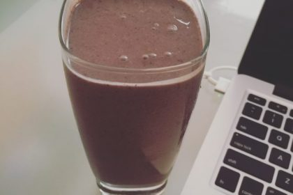 health coach, Angela Watson Robertson, smoothie